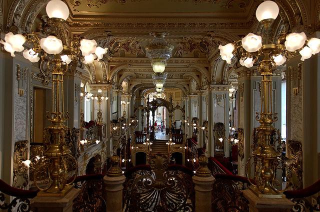 The New York Café. Photo by Yelkrokolade via Wikipedia [CC 3.0]